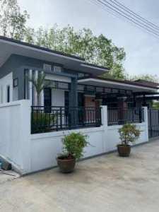 ขายบ้านเดียวสไตล์โมเดิร์น BangRong Modern ราคาเริ่มต้นที่ 2.99 ฿ มีบ่อน้ำให้ทุกหลัง ฟรี 10 รายการ